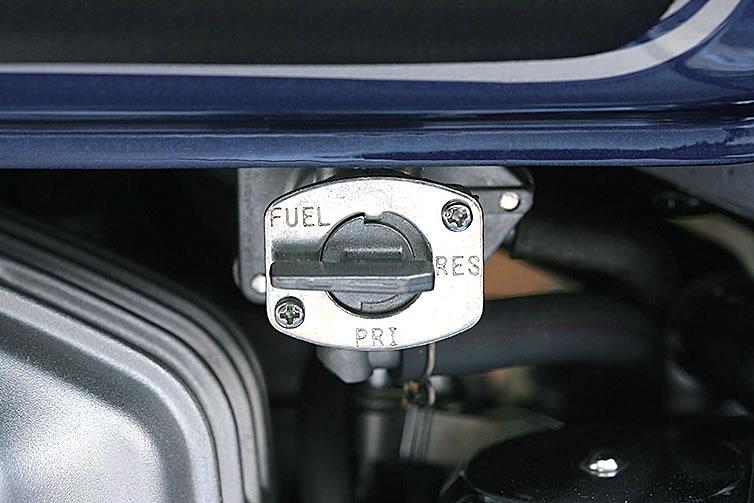 燃料コックのRESに注意