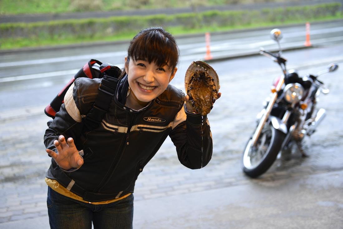 浜坂港は、日本海の冬の味覚・松葉がにの水揚げ日本一